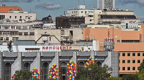 «Соловей» уступит место гостинице // Каково будущее киноцентра