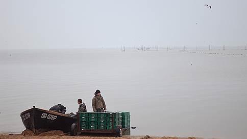 Украину предложили отрезать от Азовского моря // Есть ли у России право вводить такие санкции