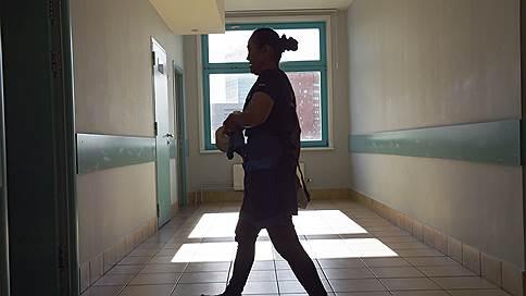 В избиении школьника рассмотрели воспитательные меры // Чем вызвано поведение учителя из Комсомольска-на-Амуре