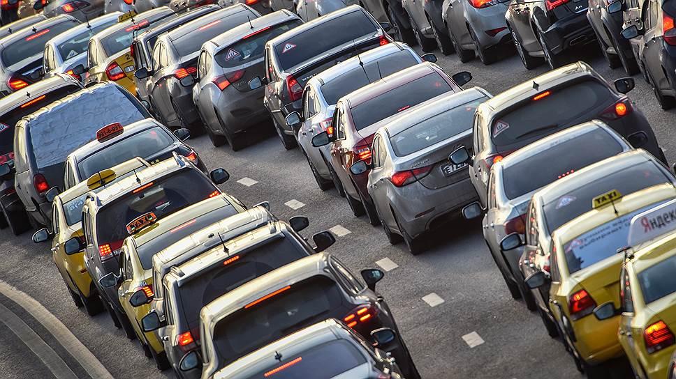 Для чего на российских дорогах вводят шумовую разметку