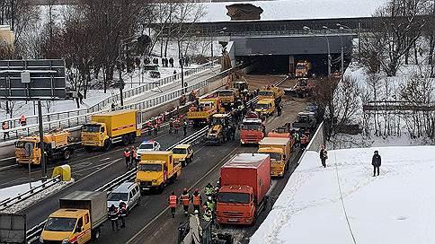 Провал грунта в Тушинском тоннеле закончился потопом // Когда будет восстановлено движение в районе