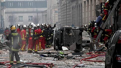 Французскую столицу сотряс мощный взрыв // Что стало причиной ЧП в булочной