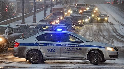 ГИБДД погоняется за стритрейсерами на спорткарах  / Насколько Госавтоинспекции необходимы подобные автомобили