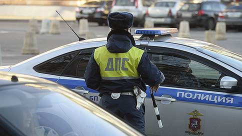 Таксист во Владимире протаранил «живой щит»  / Почему инцидентом с полицейскими заинтересовались следователи