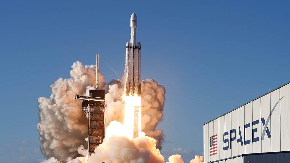 Как Илон Маск запустил тяжелую ракету-носитель Falcon Heavy