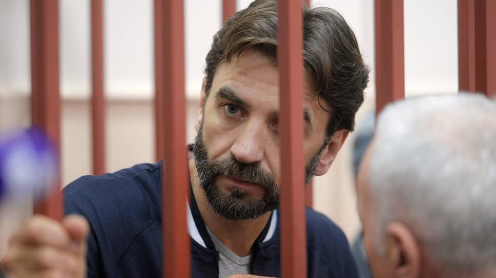 Что означает решение Басманного суда в отношении активов Михаила Абызова