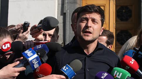 «Для Украины возможен только один механизм — это освобождение удерживаемых лиц»  / Политолог в эфире «Ъ FM» — о телефонном разговоре президентов России и Украины