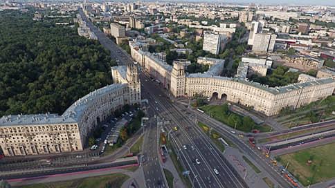 Москвичи ищут оптимальные маршруты // Как закрытие станций метро влияет на дорожную ситуацию