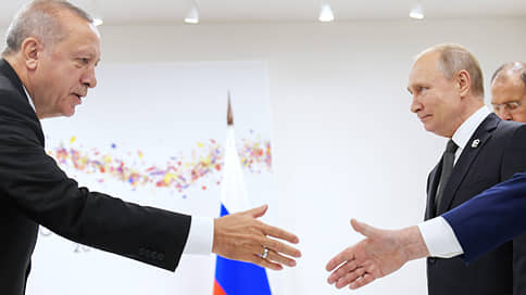 Реджеп Эрдоган укрепляет позиции сделкой по С-400 // Как покупка российского вооружения повлияет на отношения с США