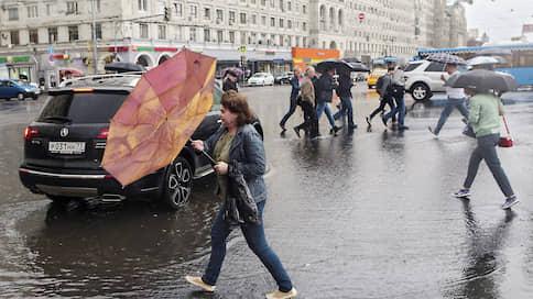 Московские улицы оказались под водой // Как непогода повлияла на ситуацию в городе