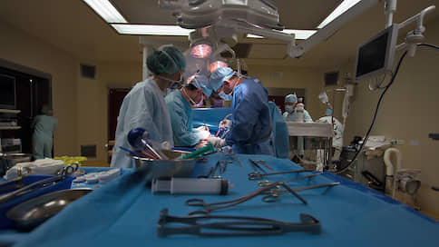 Пациентам отдают бесплатное за деньги  / Как врачи продают оборудование и материалы