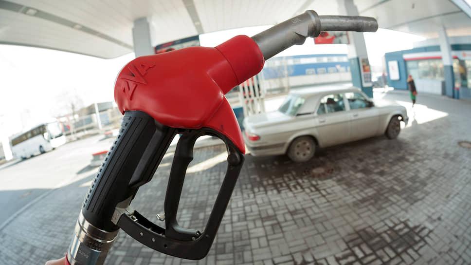 Почему бензин опять начал дорожать