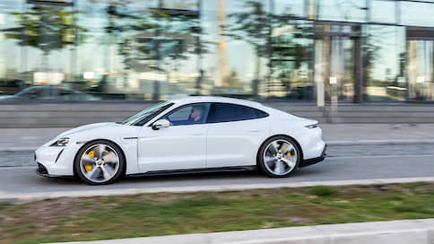 «Porsche Taycan переносит нас в будущее»  / Дмитрий Гронский — об электрической модели бренда