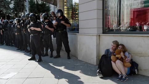 В «московском деле» объявились новые эпизоды // Кого еще задержали по подозрению в участии в акциях протеста