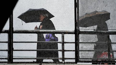 Атлантический циклон подморозит Москву // Начали ли автомобилисты менять летнюю резину на зимнюю