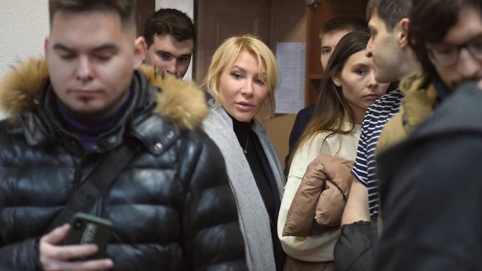 Активистка Алена Попова