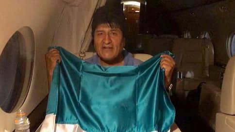 Зарубежные СМИ: Что будет после отставки президента Боливии? // 12 ноября, вторник