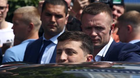 Владимир Зеленский теряет доверие избирателей // Что влияет на рейтинги правящей элиты на Украине
