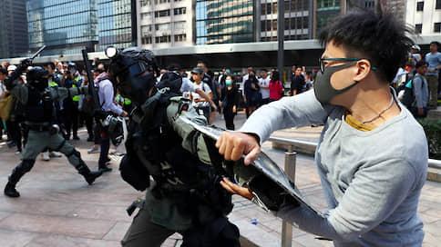 Протесты в Гонконге выходят из-под контроля // Какие меры предприняты со стороны правоохранительных органов