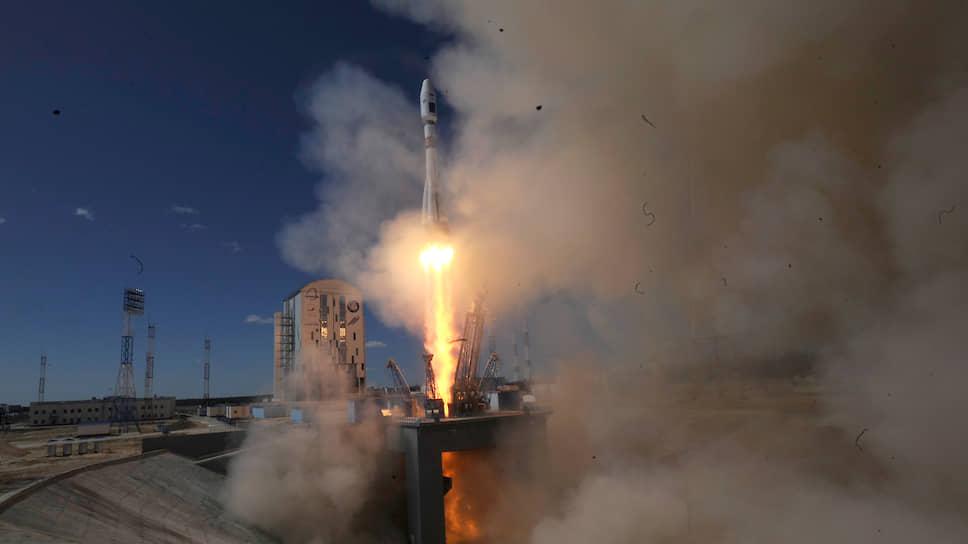 """Во сколько обойдутся NASA два места на кораблях """"Союз"""""""