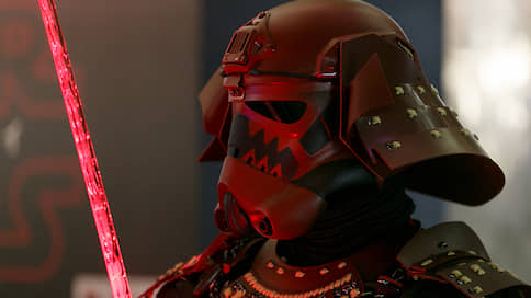Шлем имперского штурмовика уйдет с молотка  / Какие предметы со съемок «Звездных войн» представлены на аукционе Sotheby's