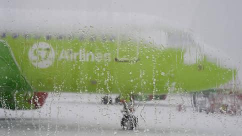 Пассажирка угрозами «посадила» самолет в Домодедово  / Что известно об экстренном приземлении Airbus A321