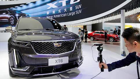 Cadillac принимает заказы  / Как эксперты оценивают новый кроссовер марки
