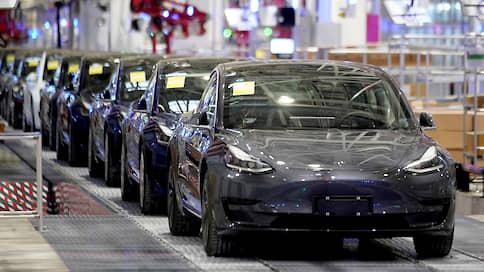 Автопилот Tesla не смог «оправдаться» полностью  / В чем была причина громкой аварии в Калифорнии