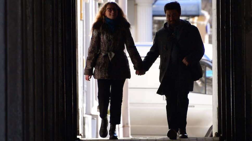 С какими сложностями сталкиваются желающие заключить или расторгнуть брак
