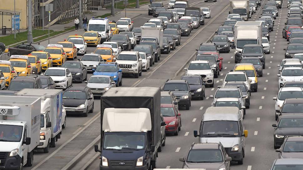 Москвичи освоились на дорогах  / Какие меры безопасности соблюдают жители столицы
