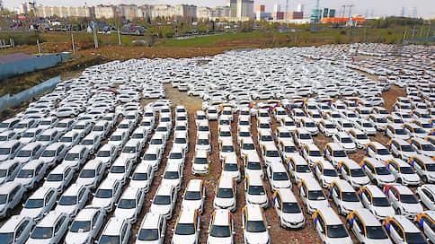 Каршеринг планируют вывести в свет  / На каких условиях власти хотят разрешить работать сервисам краткосрочной аренды автомобилей
