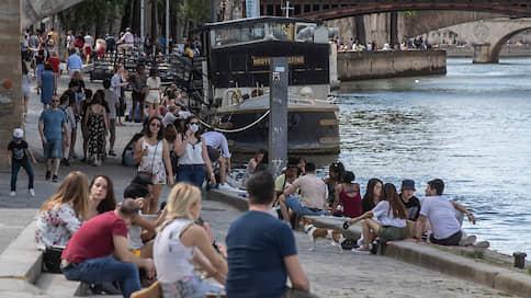 Солнце выманило парижан на улицы  / Как во французской столице прошли первые дни после карантина