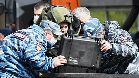 Захватчик банка «вооружился» вином  / Что известно об инциденте в отделении Альфа-банка в Москве