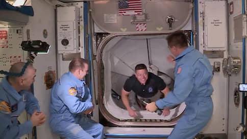 SpaceX состыковалась с космосом  / Что успешный запуск Crew Dragon означает для «Роскосмоса»