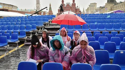 «Красная площадь» решилась на посетителей  / Целесообразно ли проведение книжного фестиваля в Москве