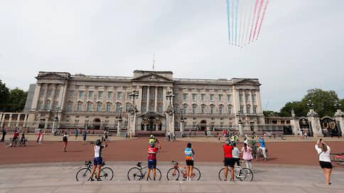 Букингемский дворец оброс тайнами // Какие секретные помещения есть в резиденции королевы Елизаветы II