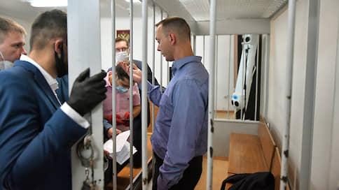 «Суд закрыл слушание для прессы»  / Петр Пархоменко — о заседании по избранию меры пресечения для Ивана Сафронова