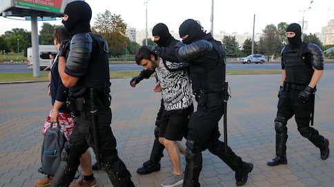 «Люди с окраин организованными толпами идут в центр»  / Жительница Минска — о действиях силовиков