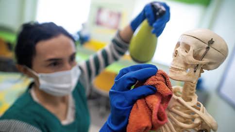 Коронавирус выходит за рамки  / Стоит ли ожидать введения новых ограничений в связи с ростом количества заболевших