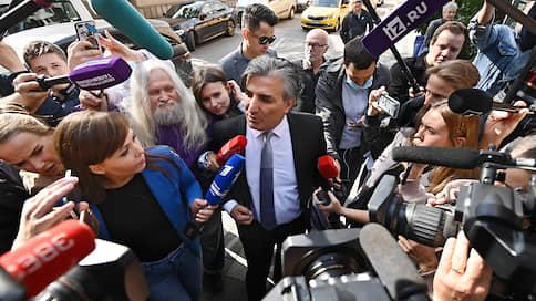 Эльмана Пашаева оставили без статуса // За что юриста лишили адвокатских полномочий