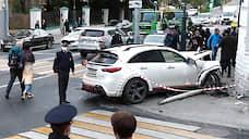 Многочисленные штрафы «столкнулись» в ДТП  / К каким последствиям привела авария на Остоженке