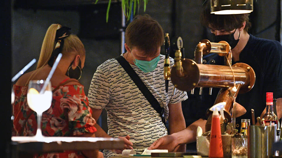 Посетителям баров просканируют QR-код