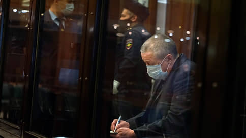Михаилу Ефремову дали время  / Почему Мосгорсуд не позволил актеру выплатить компенсации в течение заседания