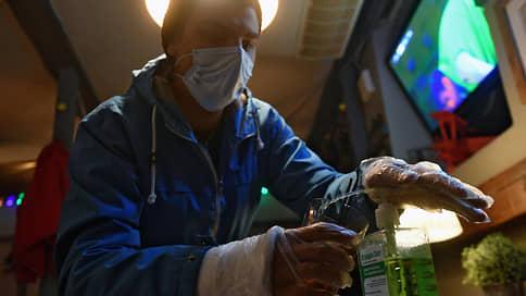 Не все перчатки оказались безопасны  / Какие факторы влияют на рост числа заболевших COVID-19