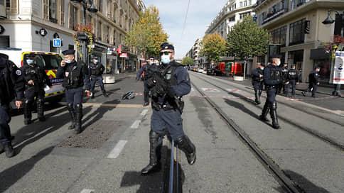 Франция содрогнулась от нападений // Как власти и общество отреагировали на инцидент в Ницце