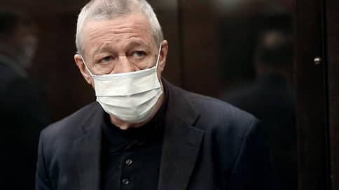 Михаил Ефремов выбирает СИЗО  / Разрешат ли актеру отбывать наказание в Москве
