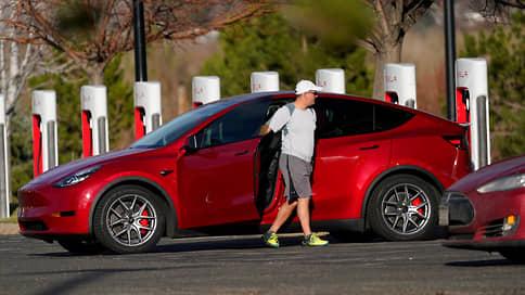 Автомобили Tesla дали сбой // Как проблема с неисправными дисплеями повлияет на капитализацию компании