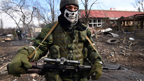 Напряжение вокруг Донбасса нарастает // Какие обвинения Россия и Украина предъявляют друг другу