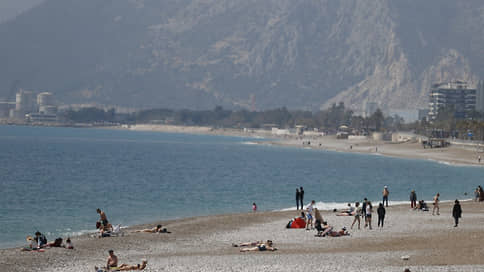 Роспотребнадзор предостерег от Турции  / Могут ли закрыть турецкие курорты из-за британского штамма COVID-19