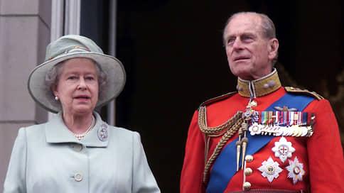 """«Принц Филипп просил не устраивать государственных похорон» // Корреспондент """"Ъ FM"""" в Лондоне — о смерти мужа королевы Елизаветы II"""